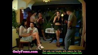 Очень крута оргия свингеров бисексуалов в съемном особняке