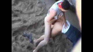 Массажист за трахал хрупкую девчонку до оргазма моча льется из мохнатки девушка обоссалась на кроватке