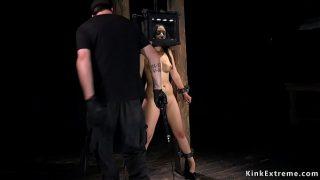 Пенная гулянка с голыми курвами парню трахают телочек в пене во все щелки на мальчишнике