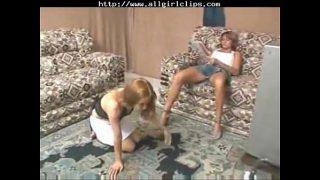 Покуда жена у родственников, отец разыгрывает дочь на трах