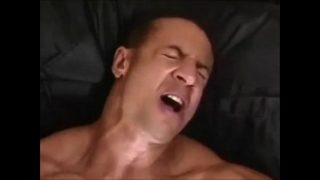 Прервала дрочку хуя парнем и подложила влагалище под хуй